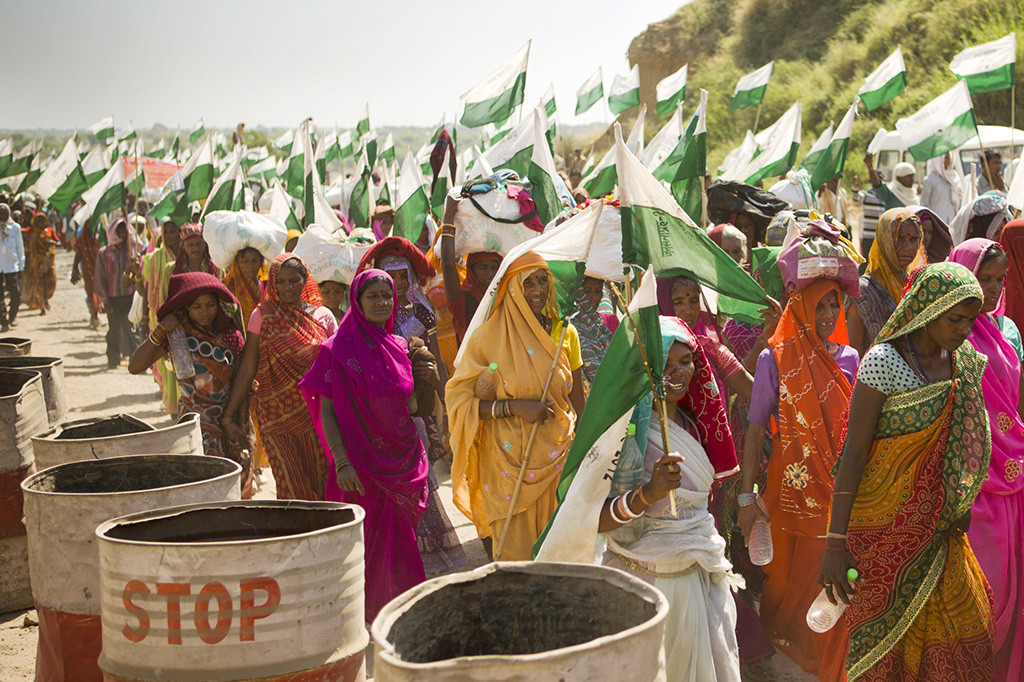 Women marching in Jan Satyagraha