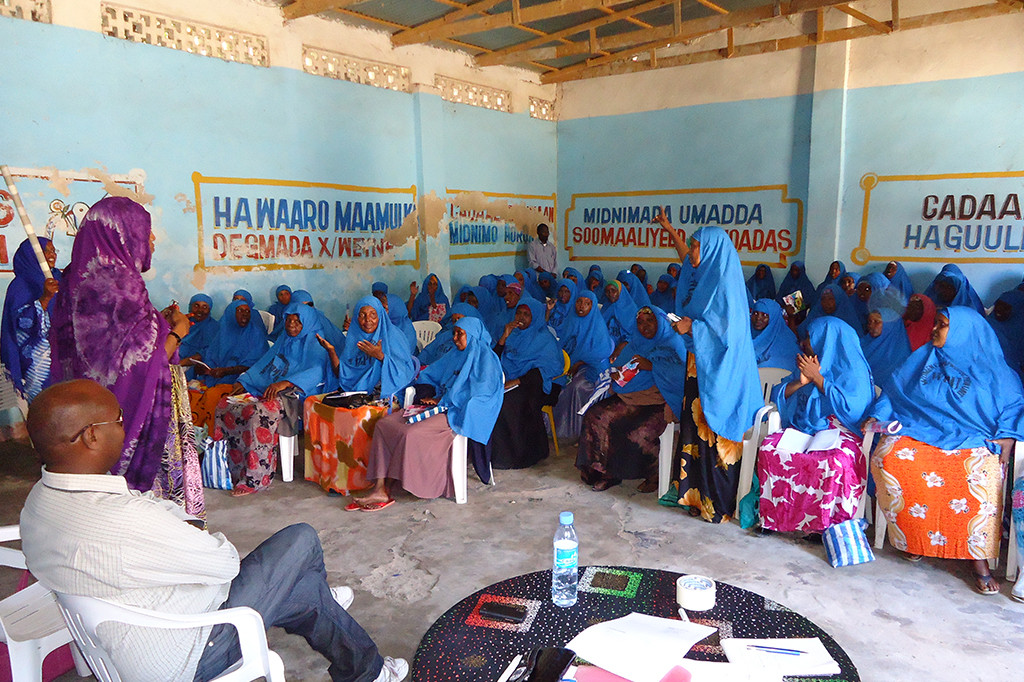 Zahra Mohamed informing a group of women on their rights to a life free from violence and equal representation in Mogadishu.